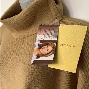 Susan Graver Jackets & Coats - NWT Susan Graver tan & Black sweater poncho